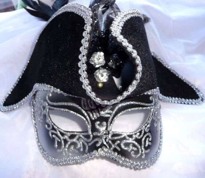 Mens Venetian style mask with Pirate hat (headband )
